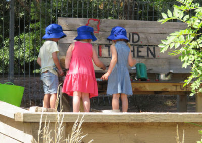 Outdoor-Gallery---Mud-Kitchen-2