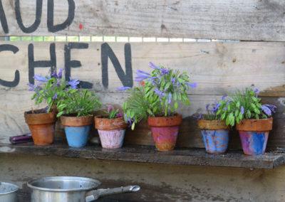Outdoor-Gallery---Mud-Kitchen-3