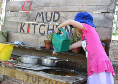 Outdoor-Gallery---Mud-Kitchen-4